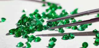 crystal combinations for emerald