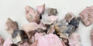 crystal combinations for rhodonite